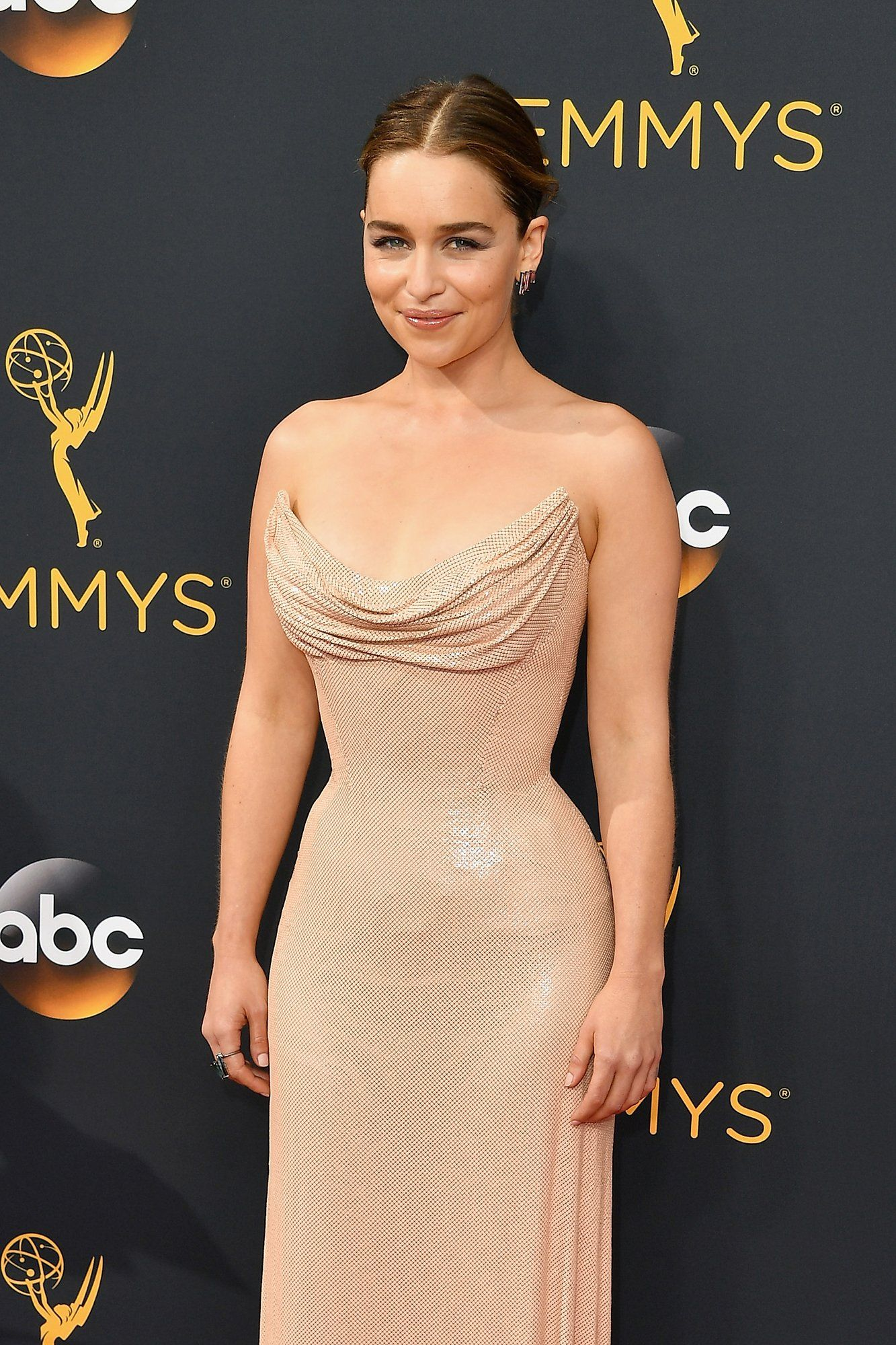 Emilia Clarke went for a softly romantic beauty look.