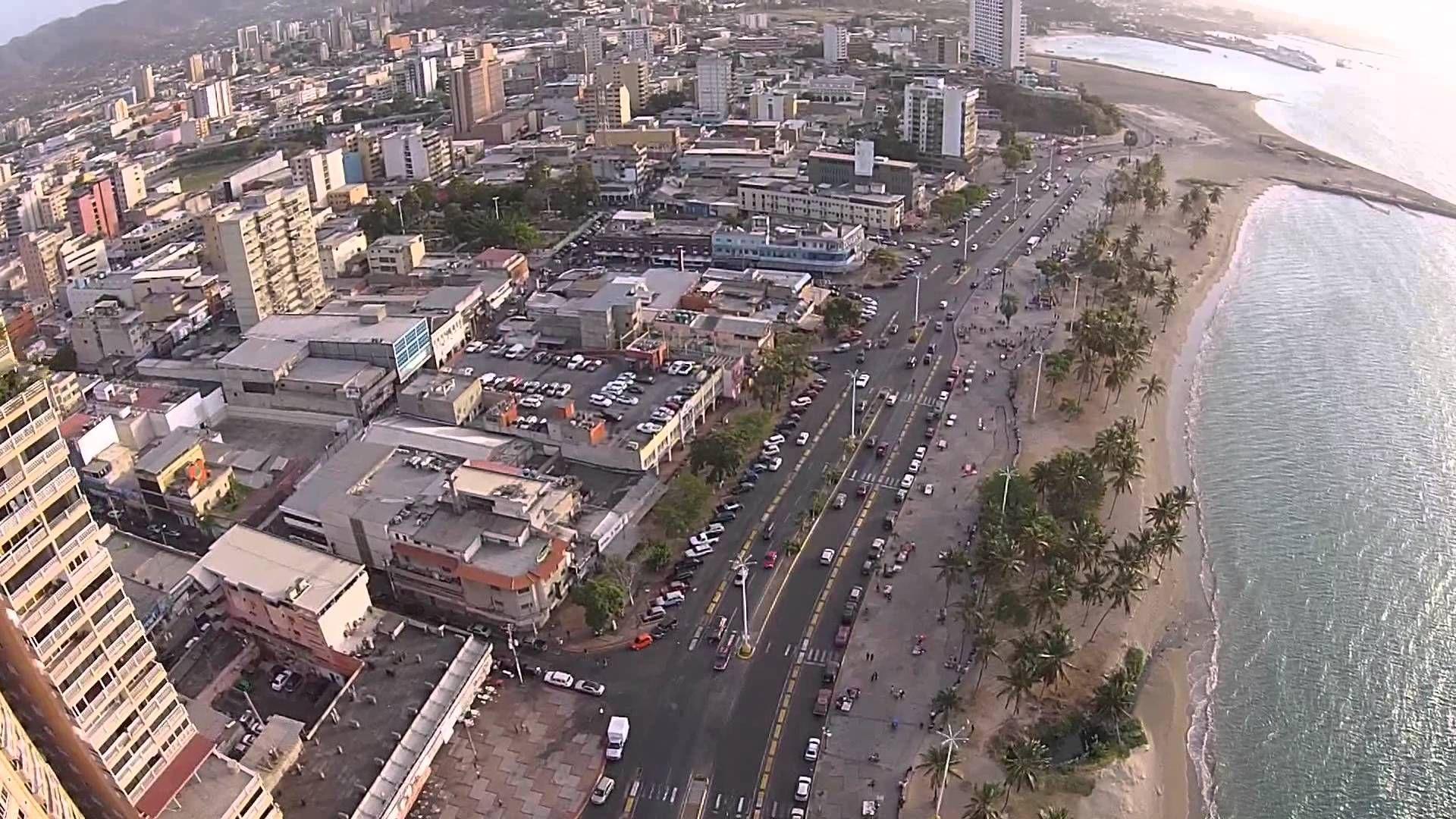 Paseo Colon Puerto La Cruz Venezuela From Above Venezuela Turistico Caracas