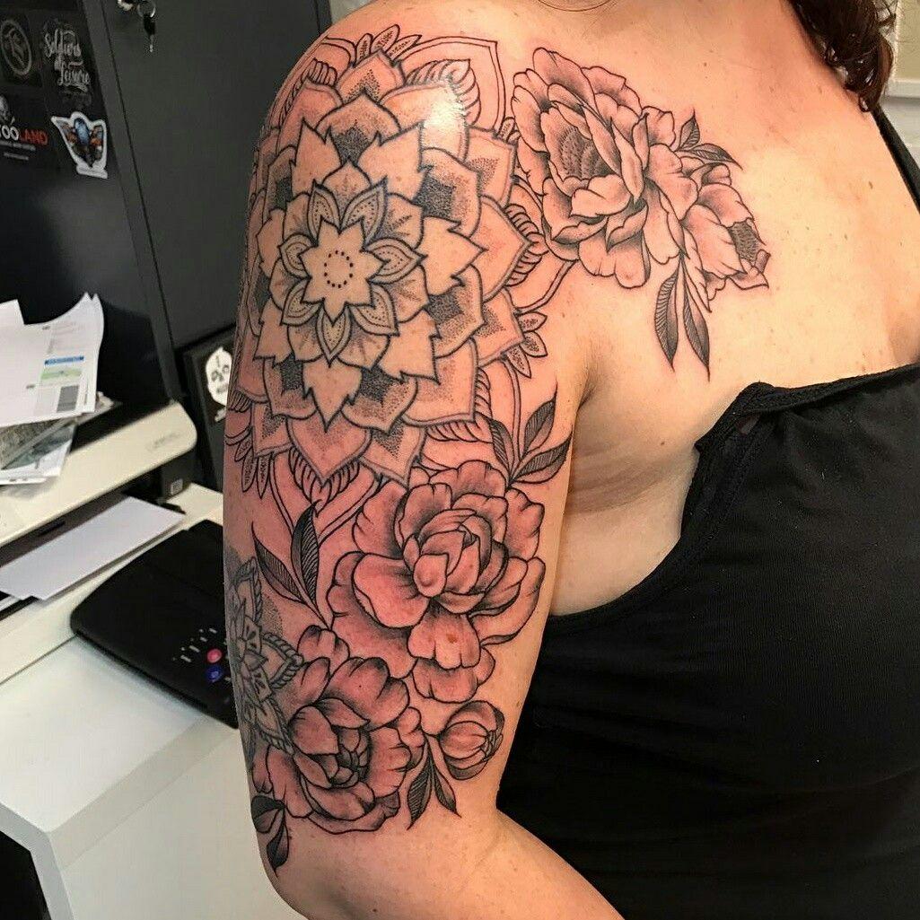 Mandala pioen peony tattoo