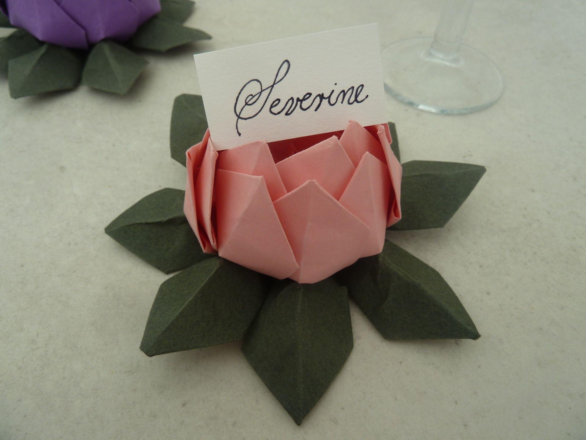 marque place fleur de lotus en origami rose vert pour mariage bapt me anniversaire. Black Bedroom Furniture Sets. Home Design Ideas