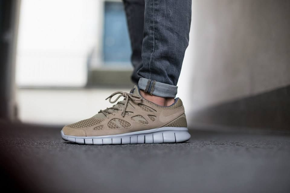 nike free run 2 shoes - khaki