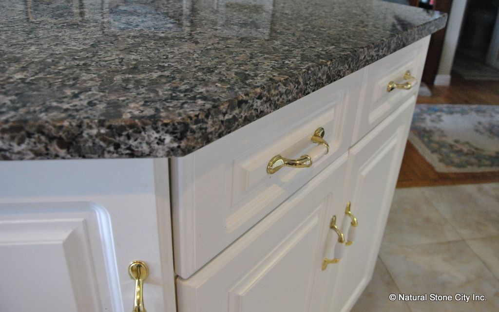 312 23rd St Houston Tx 77008 Photo Charming 1920s: Caledonia Granite Countertops (With Images)