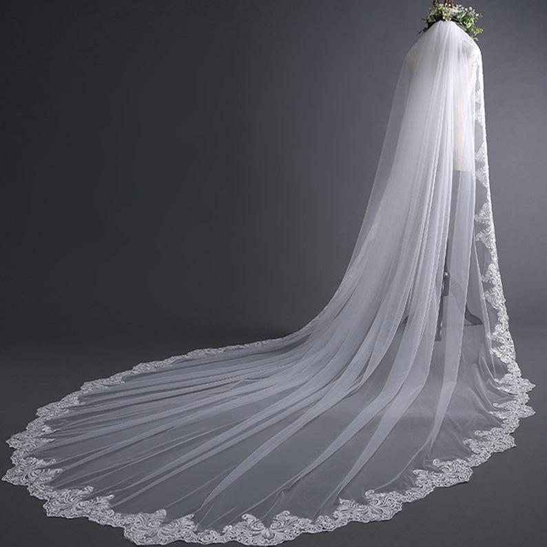 Elegant Cathedral Wedding Veillong Lace Veilmantilla Veil Etsy In 2020 Cathedral Bridal Veils Wedding Veils Lace Bridal Veils And Headpieces