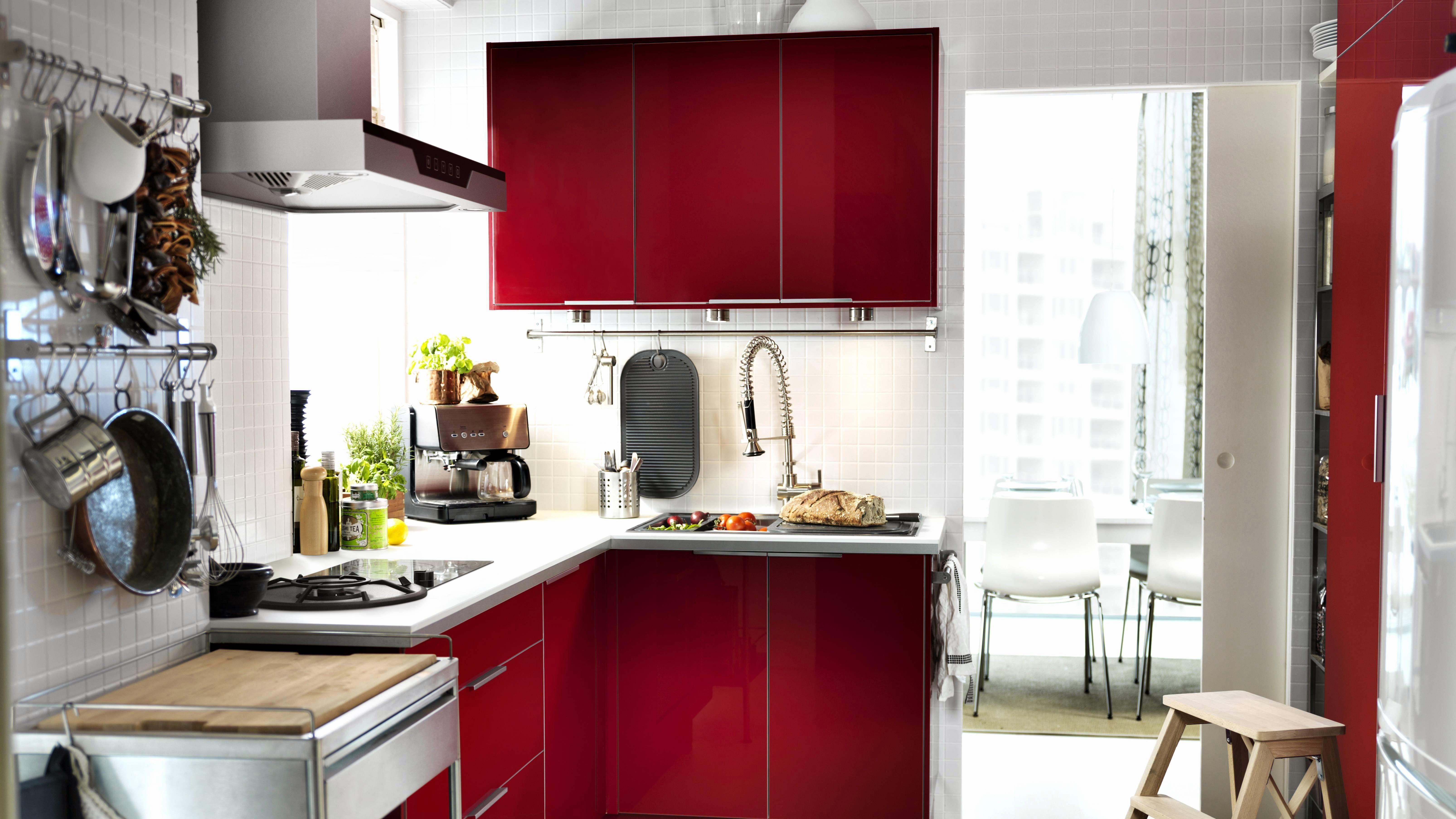 red-kitchen-PE294910 | Interior design | Pinterest | Cocinas