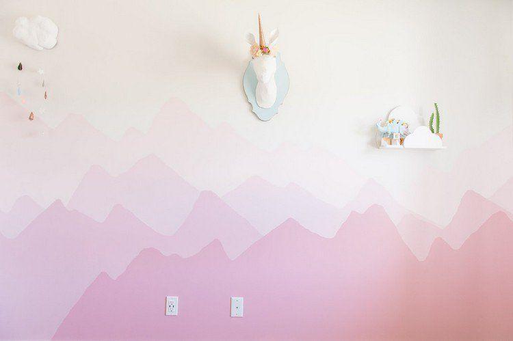 dessin-montagne-dégradé-nuances-roses-mur-chambre-bébé-fillejpg