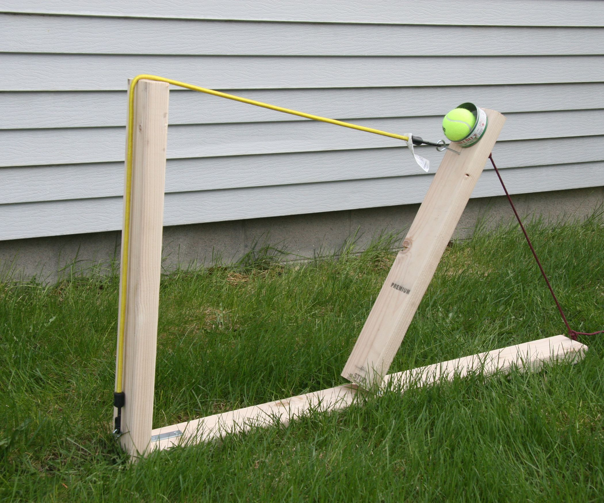 Quick And Easy Wooden Catapult Bungee Cord Cord And School