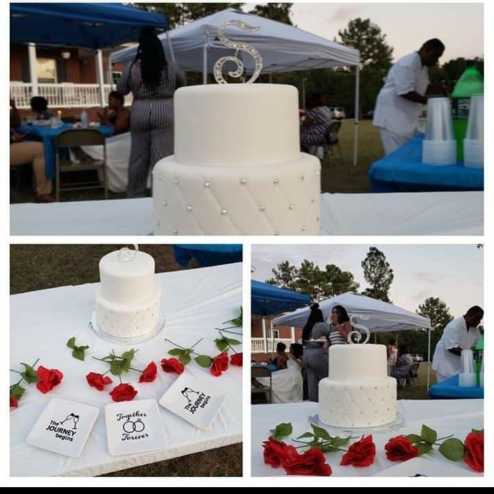 I Love You Wedding Cake . . Photographer @valeciajenkins