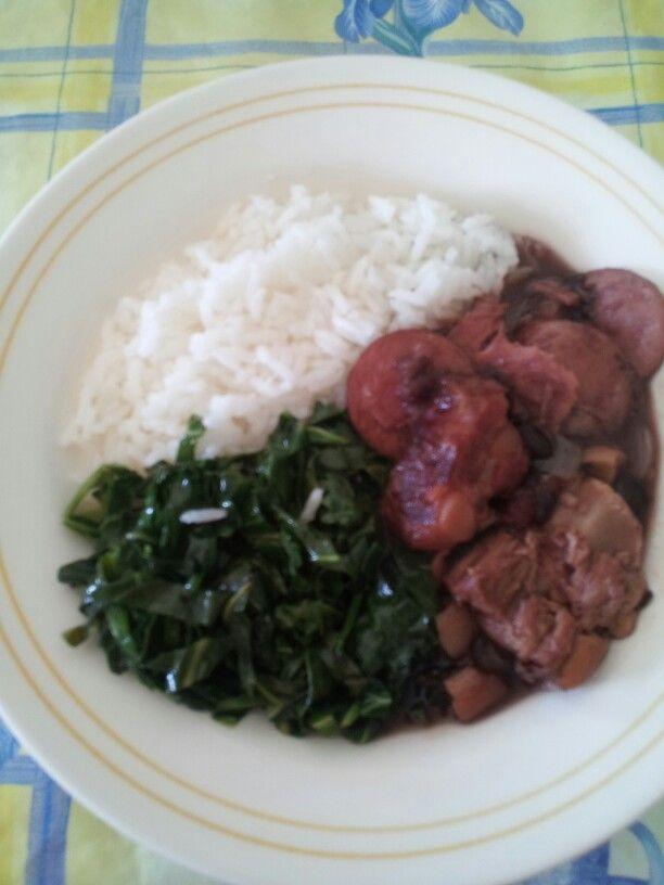 Feijoada com couve e arroz