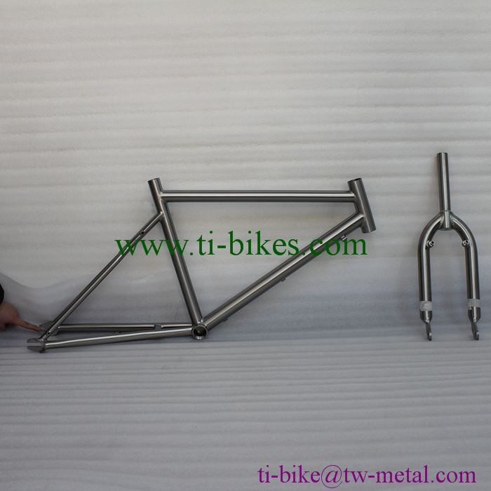 Titanium Track Bike Frame With Special Seat Stay Design Made In ...