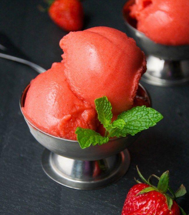 Die ultimative Erfrischung! Fruchtiges Sorbet-Rezept mit Erdbeere, Melone & Mango