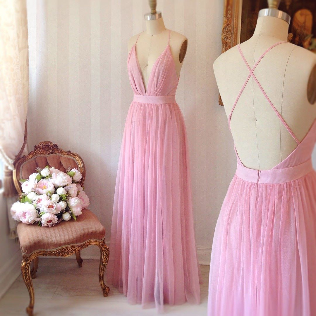 Elif bonbon 1861 boutique1861 lookbook montreal ootd pink tulle bridesmaid dressthe spaghetti straps neckline and open back are so sexy and will show your charming perfectly ombrellifo Choice Image