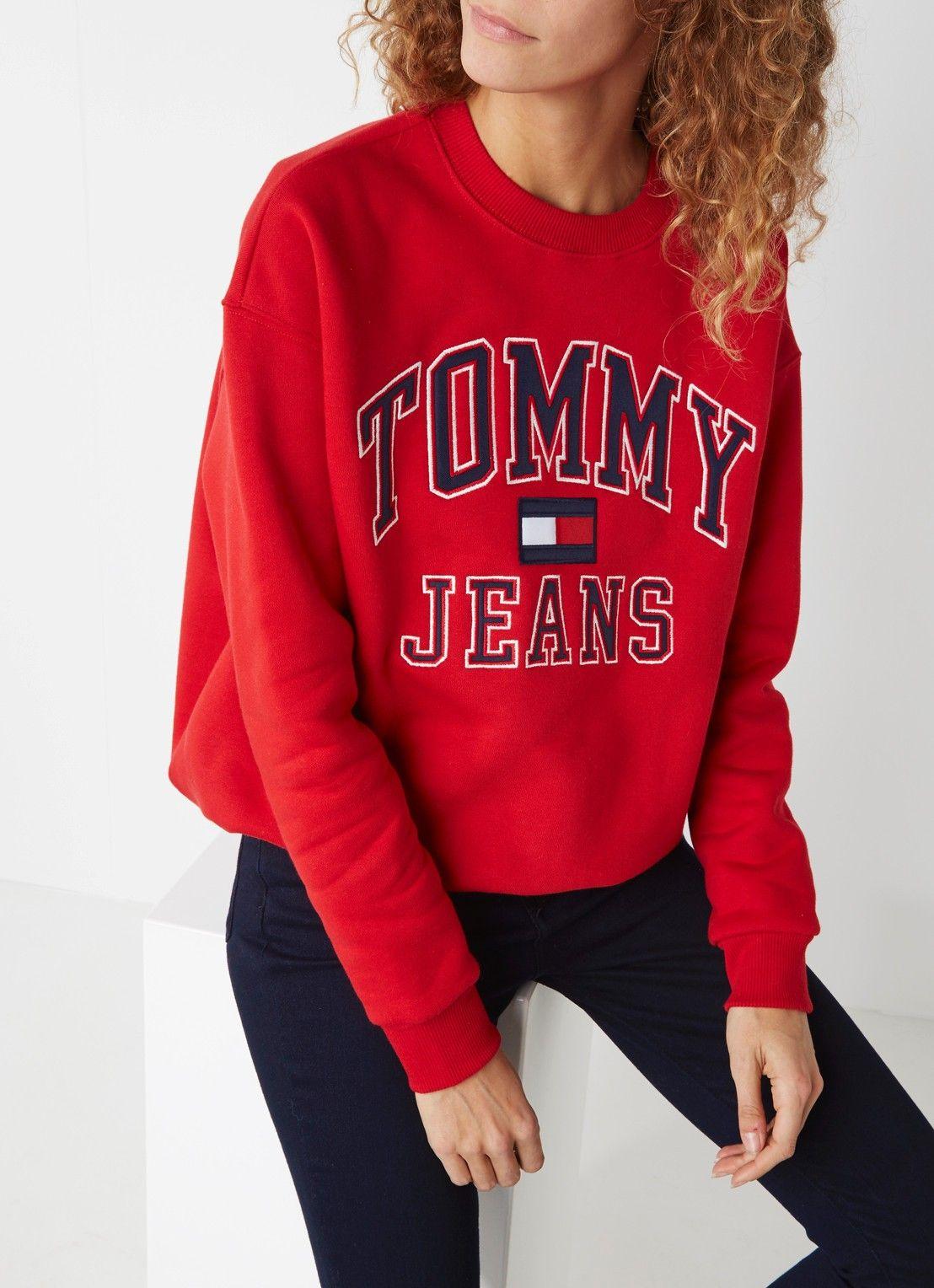 Tommy Hilfiger 90 S Sweater Met Logoprint De Bijenkorf Hilfiger Outfits Tommy Hilfiger Outfit Clothes [ 1528 x 1108 Pixel ]