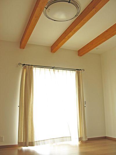 アイアンレール 無地カーテン 和室にはプリーツスクリーンを 三方原町m様邸 カーテン 和室 カーテンレール カーテンレール