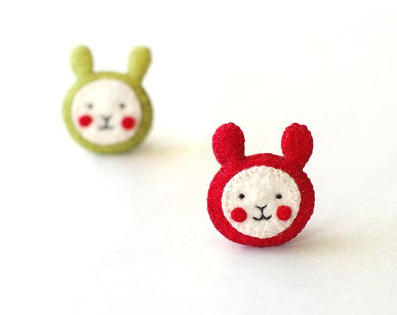 Set of 2 Easter bunny brooches / 2 cute rabbits in by Sweetkeetle, $20.00