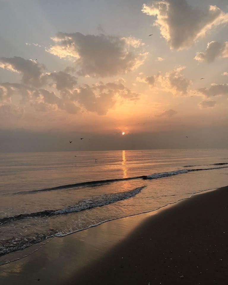 شبكة أجواء عمان شروق الشمس في مجيس من الزميل بوملاك المعمري رابطة أجواء الخليج G S Chasers Sky Sea Beach Life Sunrise