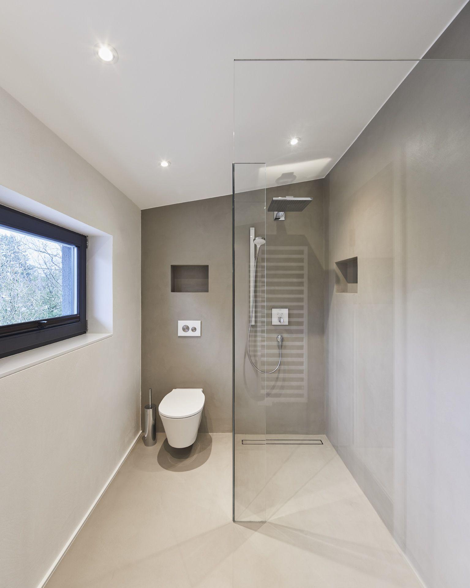 Moderne Reduzierte Bodentiefe Begehbare Regendusche Design Glasfront Beton Grau Foto Www Philipkistner Com Regendusche Dusche Badezimmer