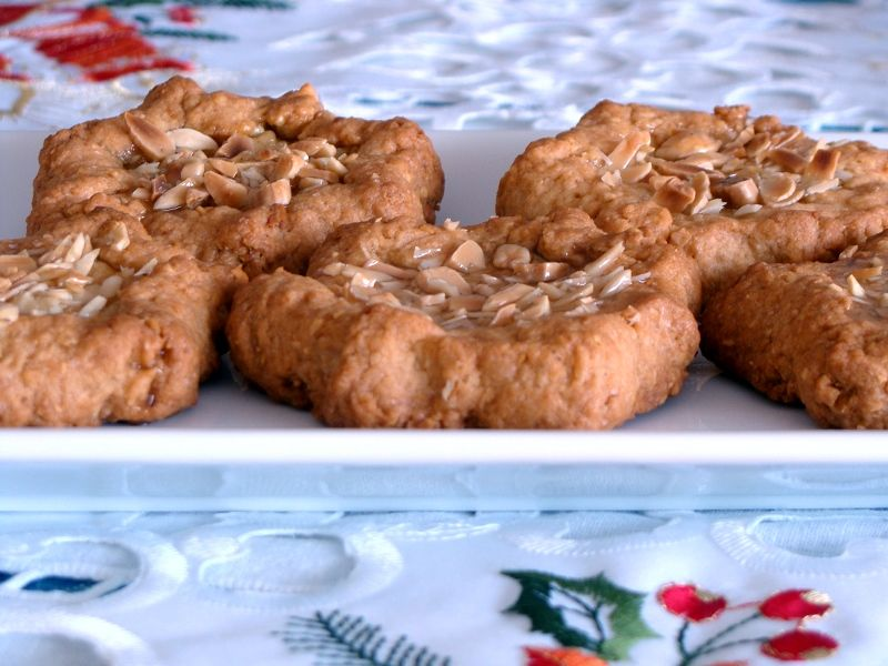 Tortas De Recao A Typical Christmas Cakes From Murcia Spain Made With Honey And Almonds Recipe Spain Reposteria Recetas Platos Tradicionales Tortas