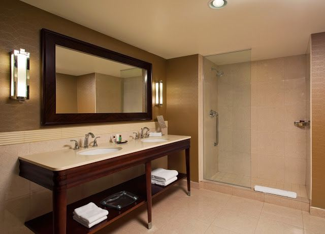 Decorative Bathroom Accessories For Hotel Project: Projects PORCELANOSA Grupo: Hotel Sheraton Valley Forge
