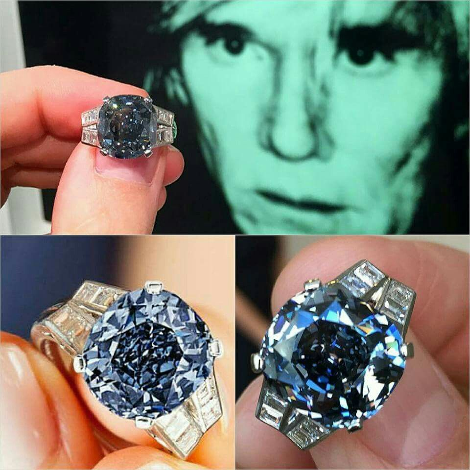 Could a ring be more perfect?  9.54 carat #shirleytempleblue fancy deep blue diamond, acquired in 1940.#sothebysjewels  Images from @frankbeverett @sothebys