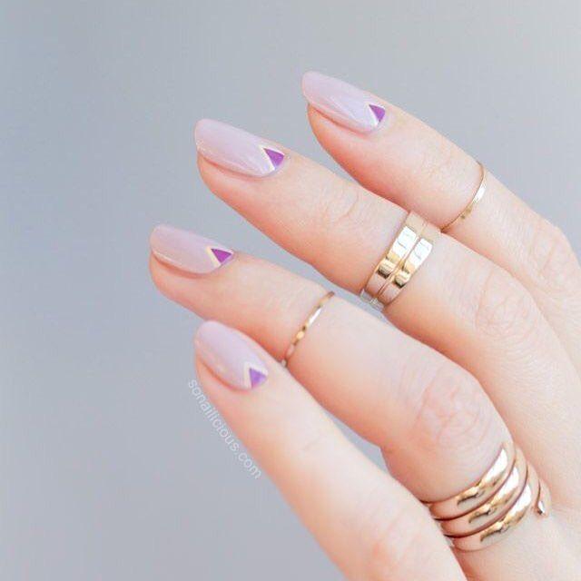 Un Mani Minimalista Y Elegante. #Uñas #NailArt
