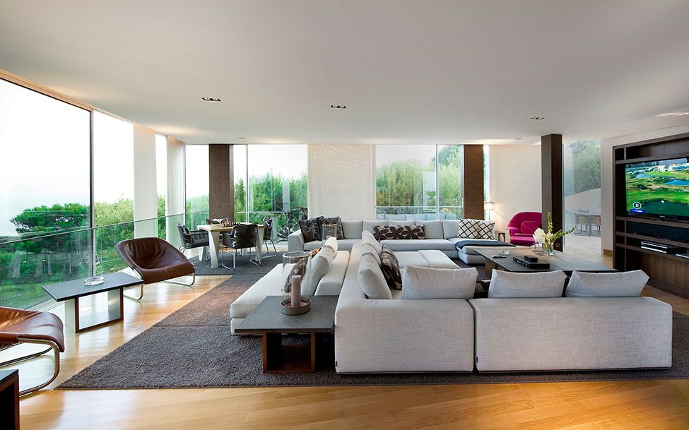 Modern interior Glass Box in the Sky: French Rivieras CView Modern ...
