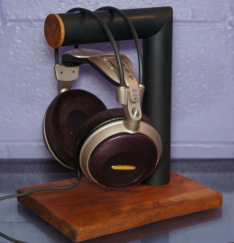 The Most Clever Recycled Diy Headphone Stands Diy Headphone Stand Diy Headphones Headphone Stands