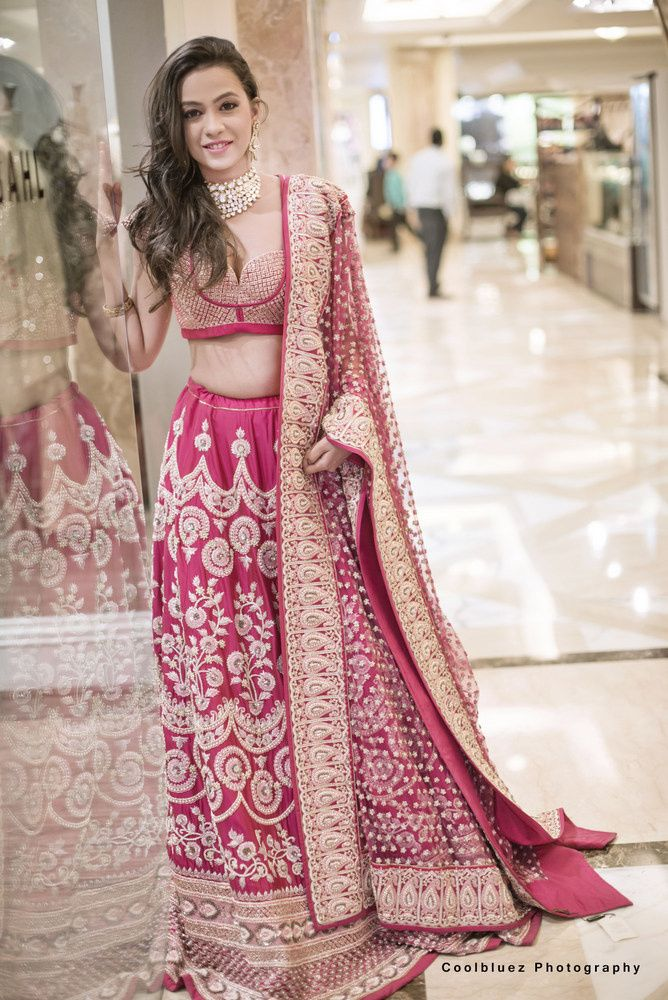 Dark Pink and Gold Lehenga with Zari Work | Ropa india, India y Gitano