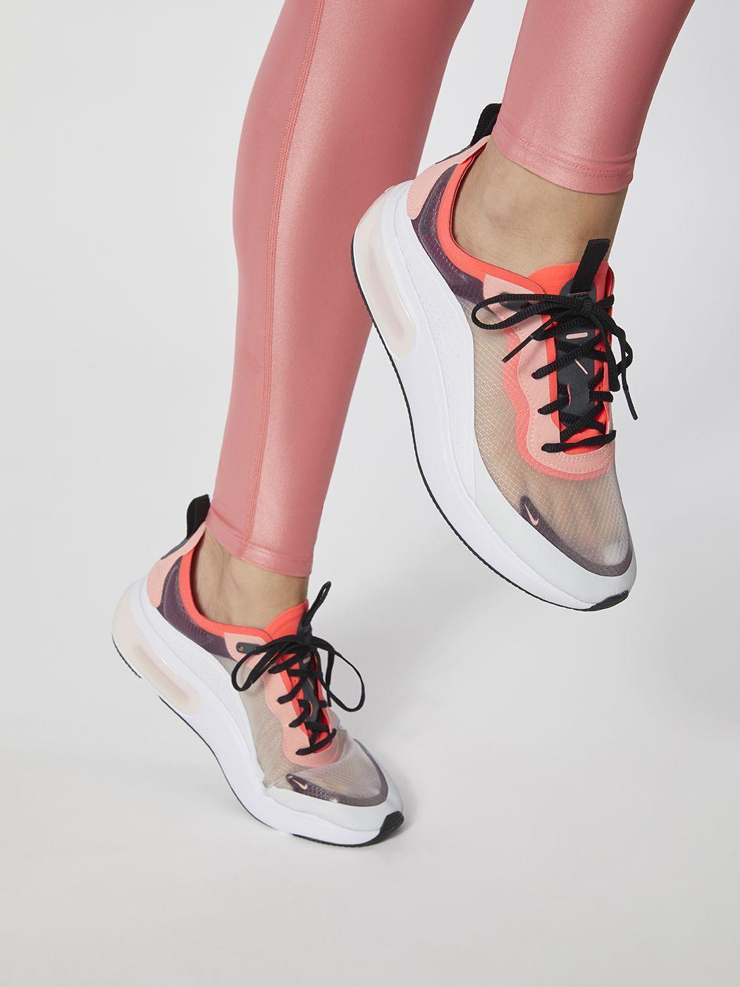 37d3cb3df6c44 Nike W NIKE AIR MAX DIA SE QS - Off white Black-white-flash crimson ...