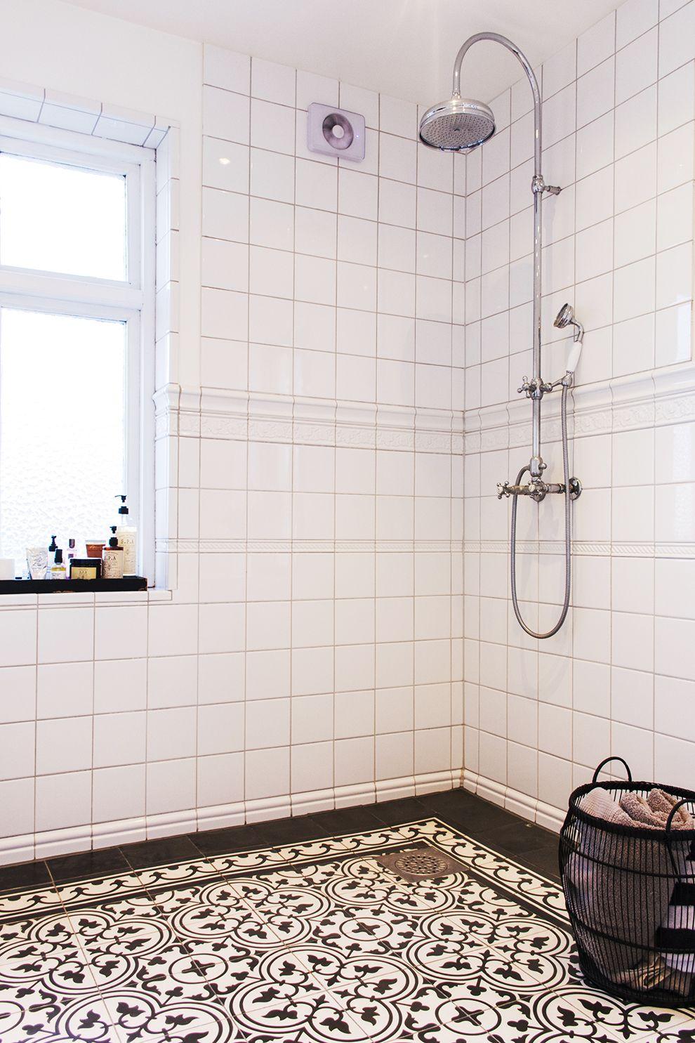 nytt badrum i gammal stil