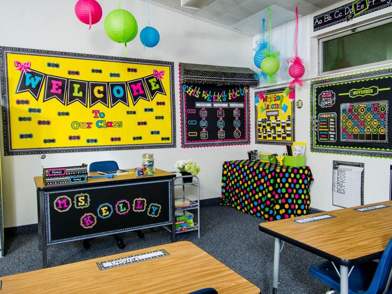 Como Decorar El Salón De Clases Mas De 50 Ideas Para Decorar El Aula Diy Classroom Decorations Neon Classroom Decor Classroom Decor Middle