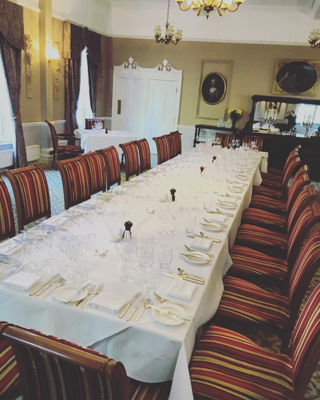 Nice Big Table For Our Guests This Evening #restaurant Beauteous Lake Hotel Dining Room 2018