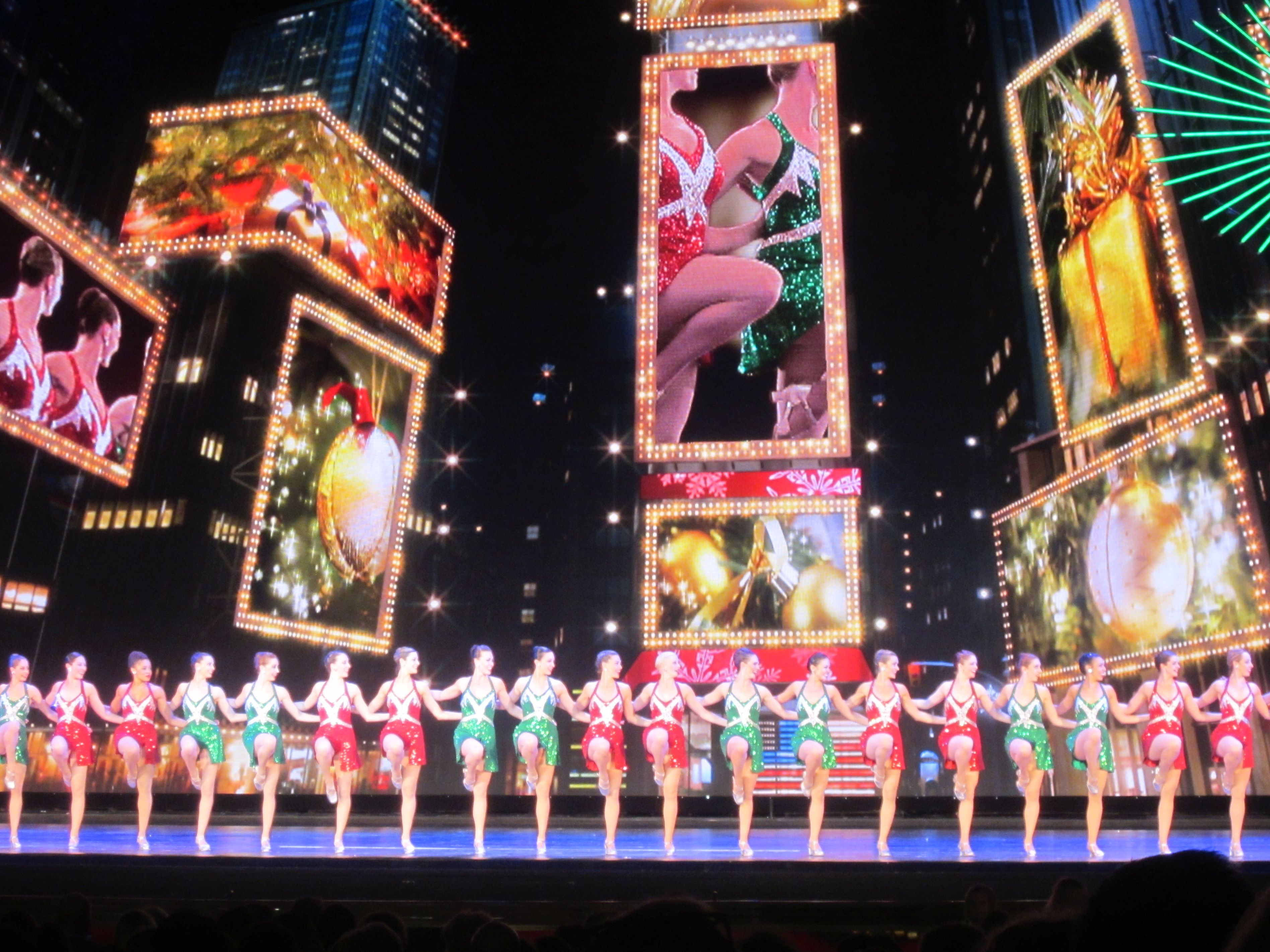 Christmas in New York City: 5 Spots You Won\'t Want to Miss ...