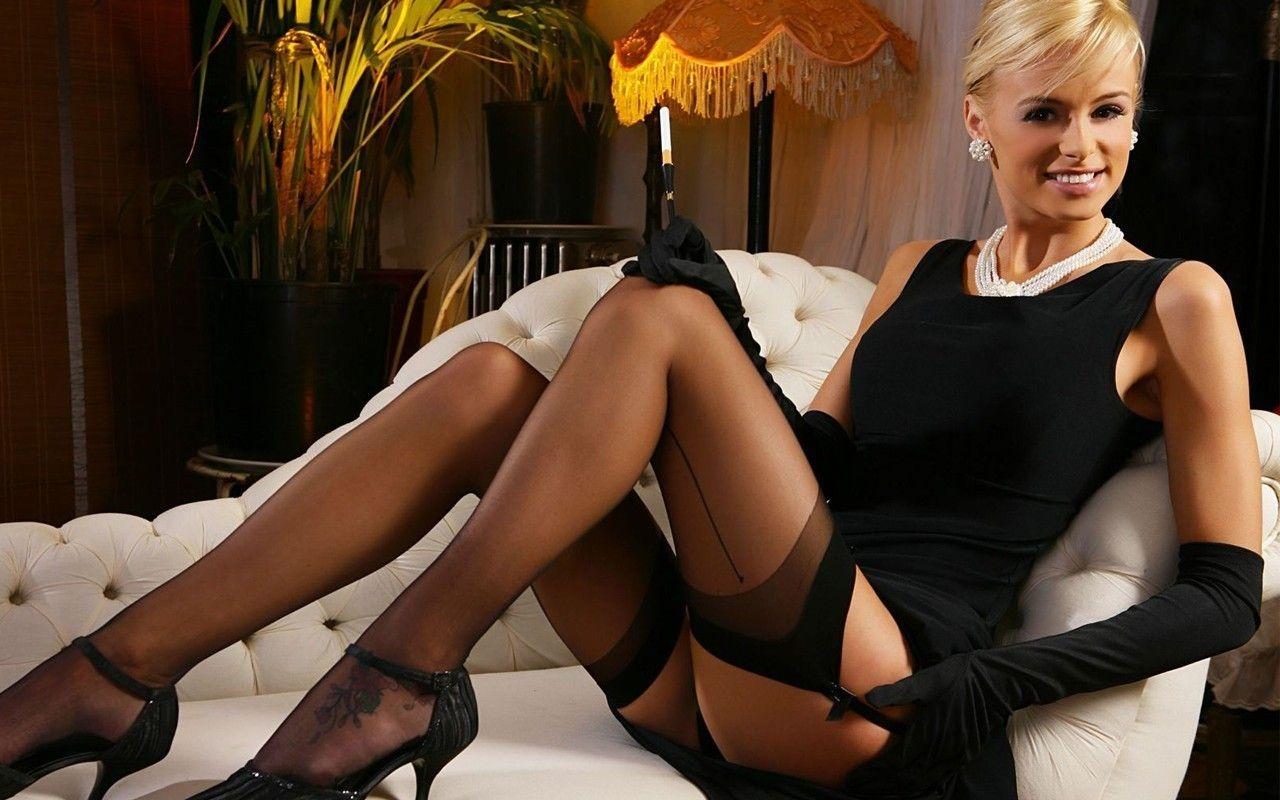 Office Woman Stocking Upskirt