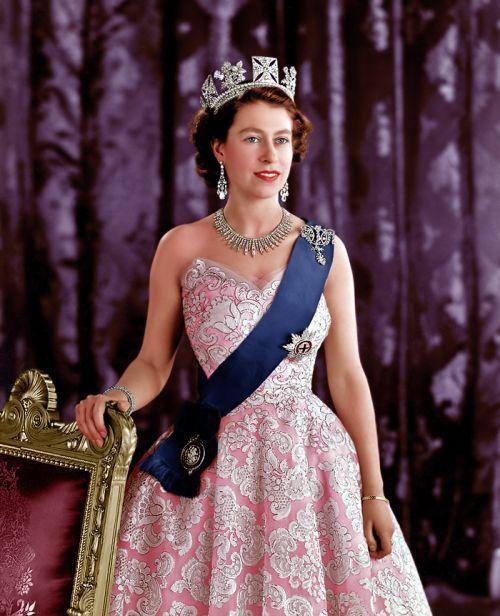 Underrated Fashion Spamqueen Elizabeth Iipart 2 Reina Isabel Reina Isabel Ii Vestidos Madrina De Boda