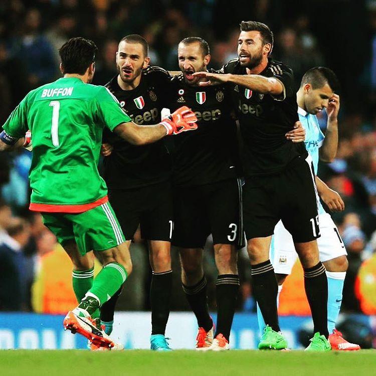 Buffon Bonucci Chiellini Barzagli Juventus vs Manchester City Kun Agüero