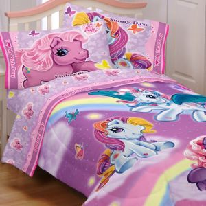 my little pony kaylah bedroom she s crazy about them for the home rh pinterest com