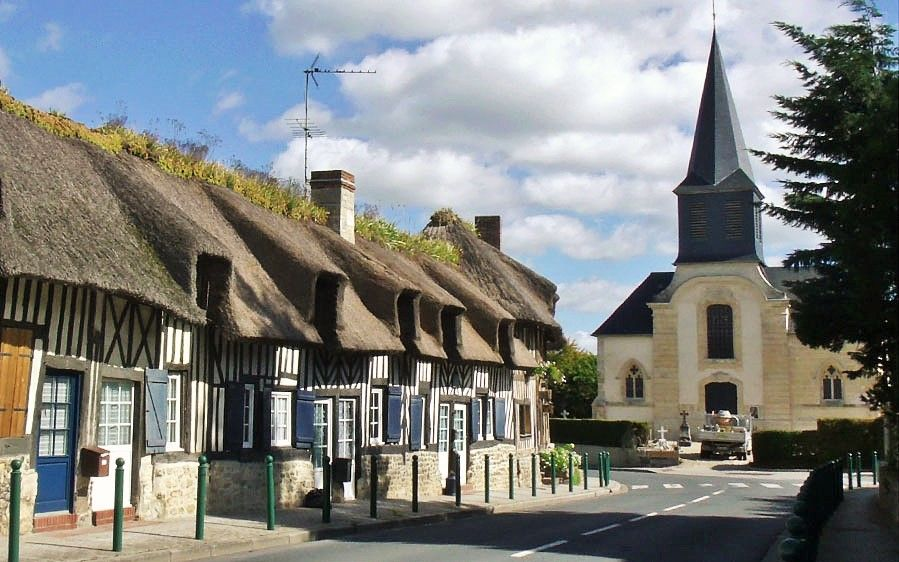 Tourgéville is no longer just a street we drive through, it is a village where we know all of life's dramas, large and small, have taken place. Have a look here: