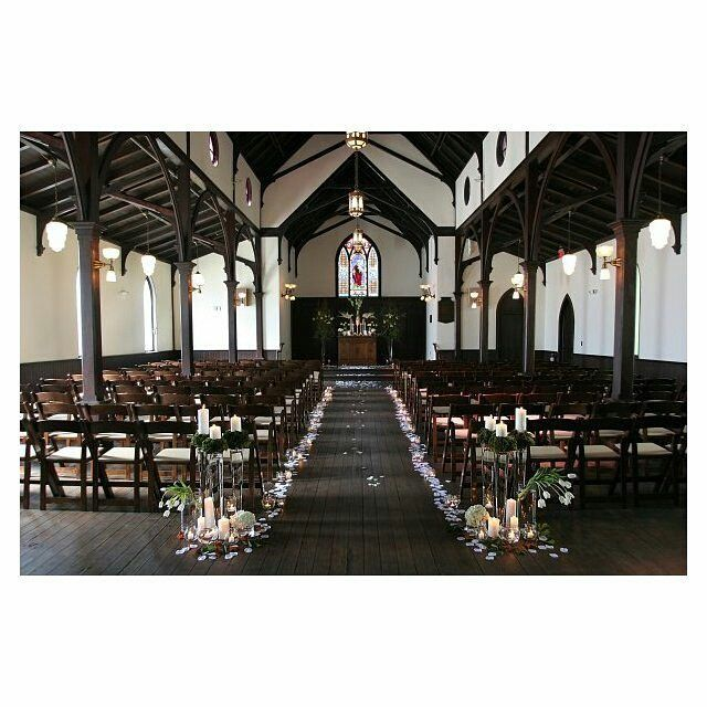 Beautiful floral design #cateringworks #bloomworks @AllSaints1875 this Sunday at WED Tour http://ift.tt/1QXXZQB