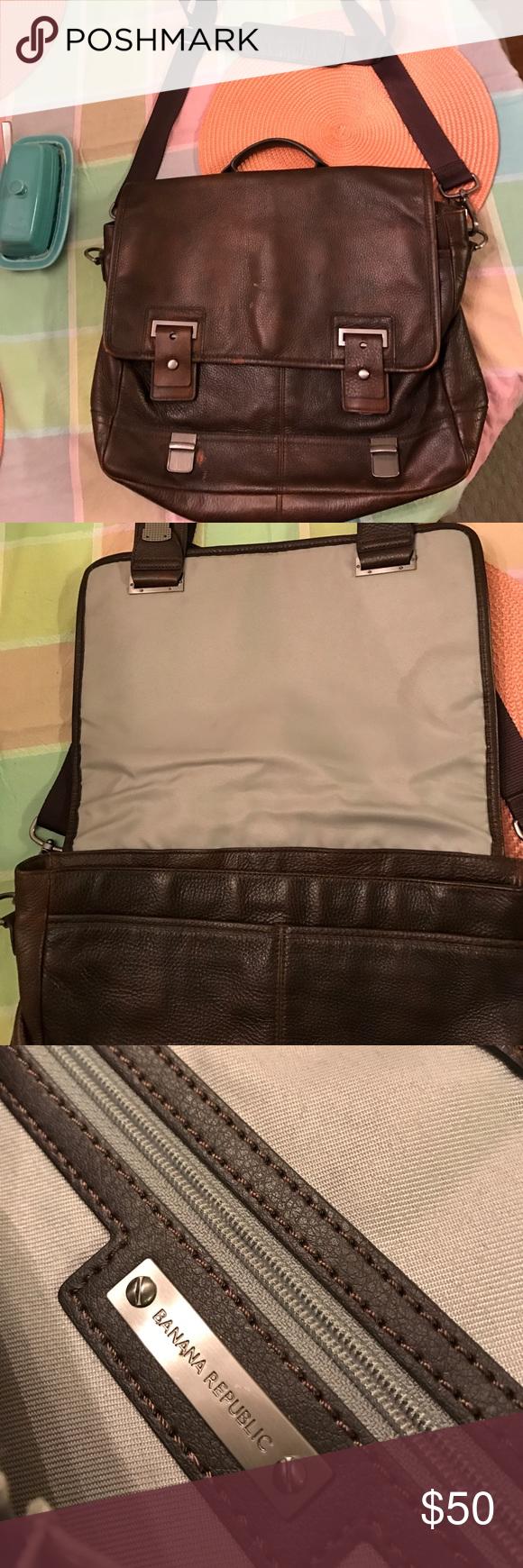 Men s Banana Republic messenger bag Nice brown messenger bag! Has some wear  to it but still in good shape! Banana Republic Bags Laptop Bags 9c48bf13ae
