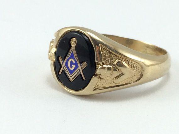 Masonic Signet Ring Men S Gold Masonic Ring By Estatejewelrymama Signet Ring Men Mens Gold Signet Ring
