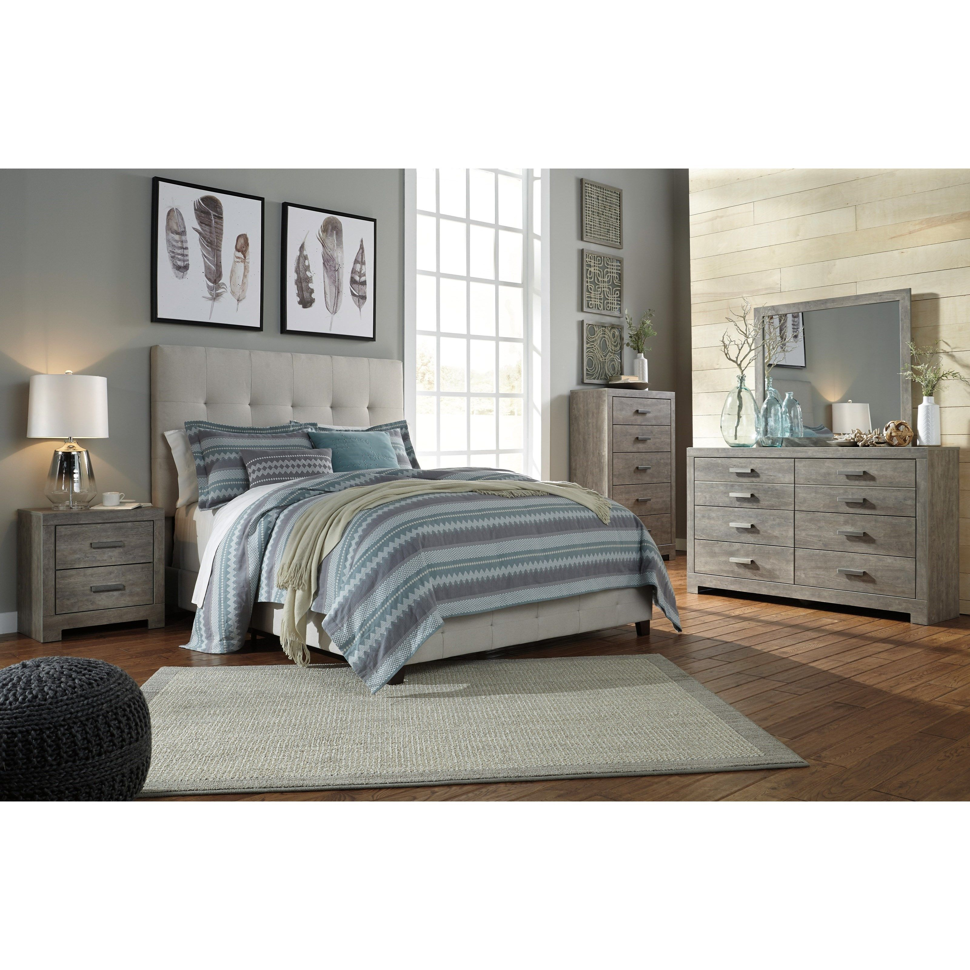Dolante Queen Upholstered Bed w/ Tufted Headboard