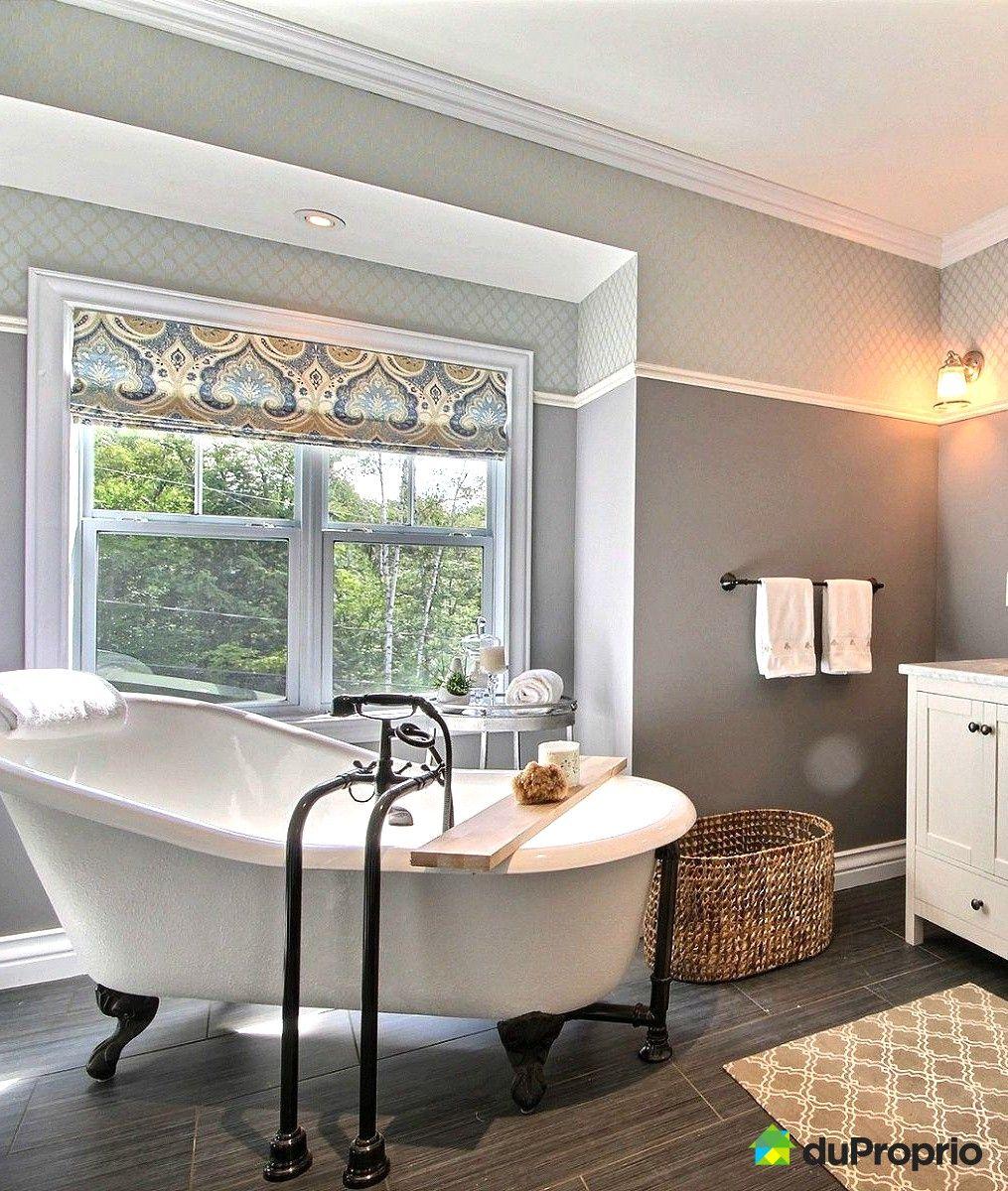 Belle salle de bain de style champ tre avec une magnifique bain sur pattes salles de bain in - Une belle salle de bain ...