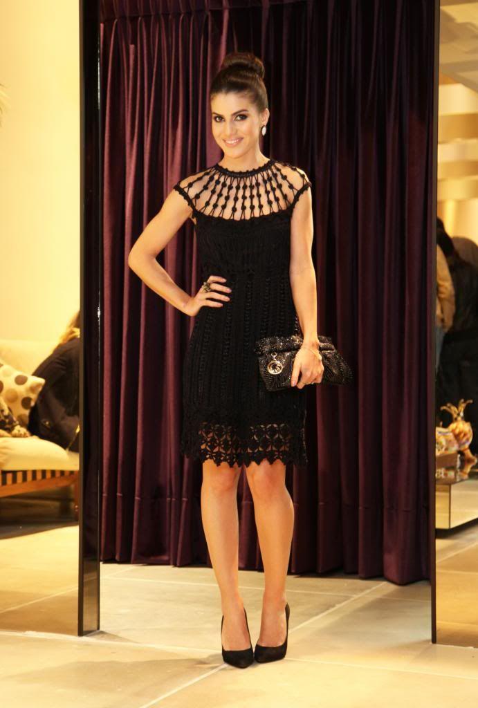 ecece31fb Look & escolhas de inverno na Carmen Steffens Vestidos De Crochê, Vestidos  Pretos Curtos,