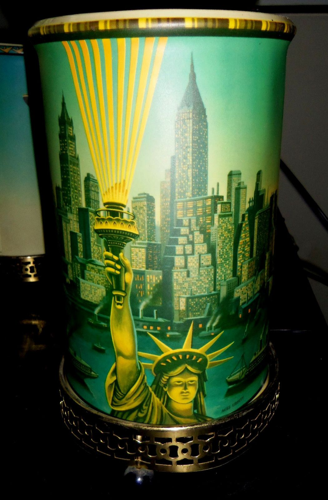 Most Rare Vintage 1957 Miss Liberty Nyc New York Econolite Motion Lamp 769 Ebay Motion Lights I Love Lamp Vintage Lamps