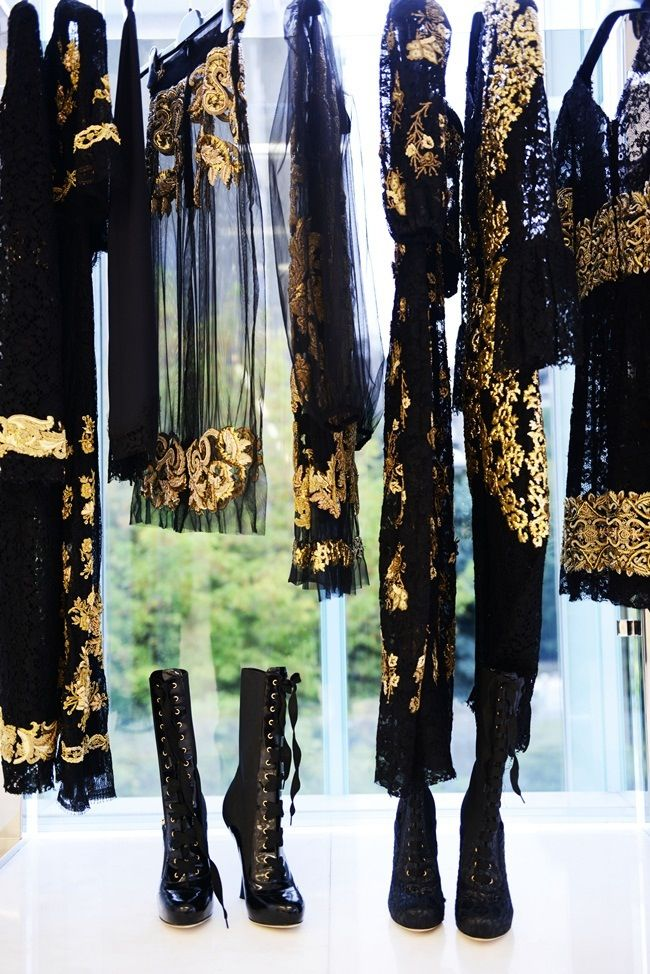 Black|Gold