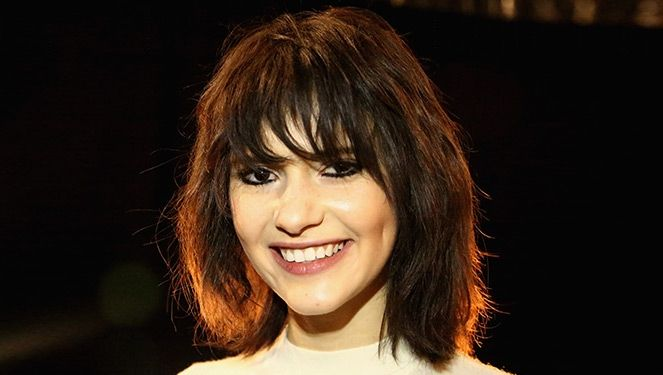 HOW TO STYLE YOUR '70'S FRINGE BANGS