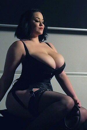 Lila Payne Nude Photos 26