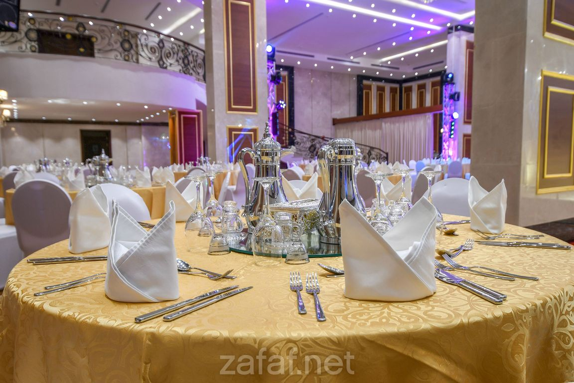 فندق عنوان الحمراء الفنادق جدة Table Decorations Decor Home Decor