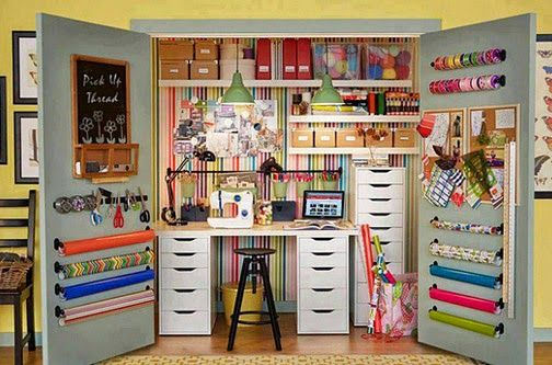 Wow This Is A Lot Of Storage In A Small Space Idee Rangement