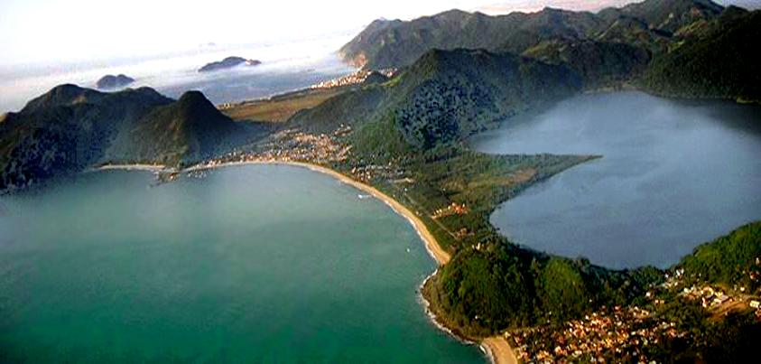 Morro das Pedras, Praias da Armação e Matadeiro, Lagoa do Peri e ao fundo Pântano do Sul! Florianópolis